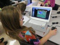 Dziecko przy komputerze